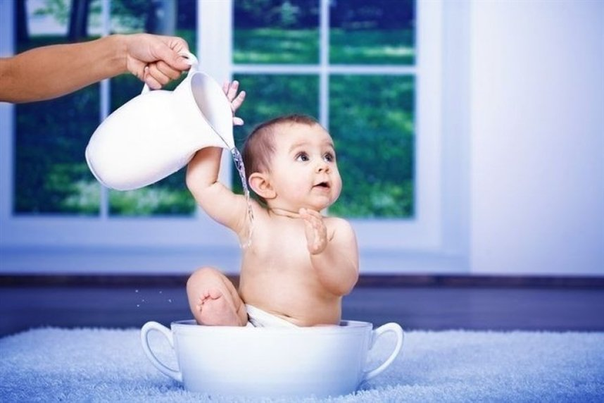 Придумайте для малыша веселые процедуры для пассивного закаливания