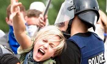 Влияние переходного возраста на жестокость